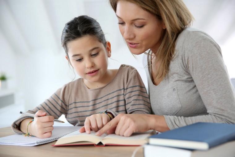 « Πώς να βοηθήσουμε τα παιδιά μας στην ορθογραφία ;»